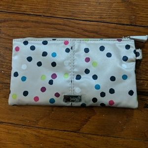 NWOT Jewell Thirty One Clutch
